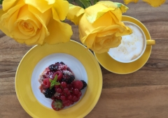 Kaffee-Beerenkuchen-Sommer